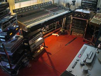 Earwig-Studios-Control-Room